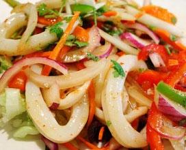 Ricetta calamari e pomodori ricette campane ricette for Ricette regionali